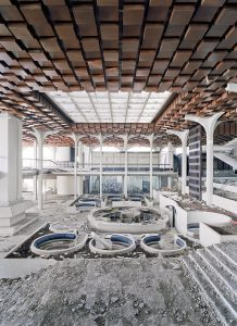 Ruine des Hotel Palace, Haludovo Resort bei Malinska/Krk, Kroatien, Architekt: Boris Magas 1972 © Daniele Ansidei 2011