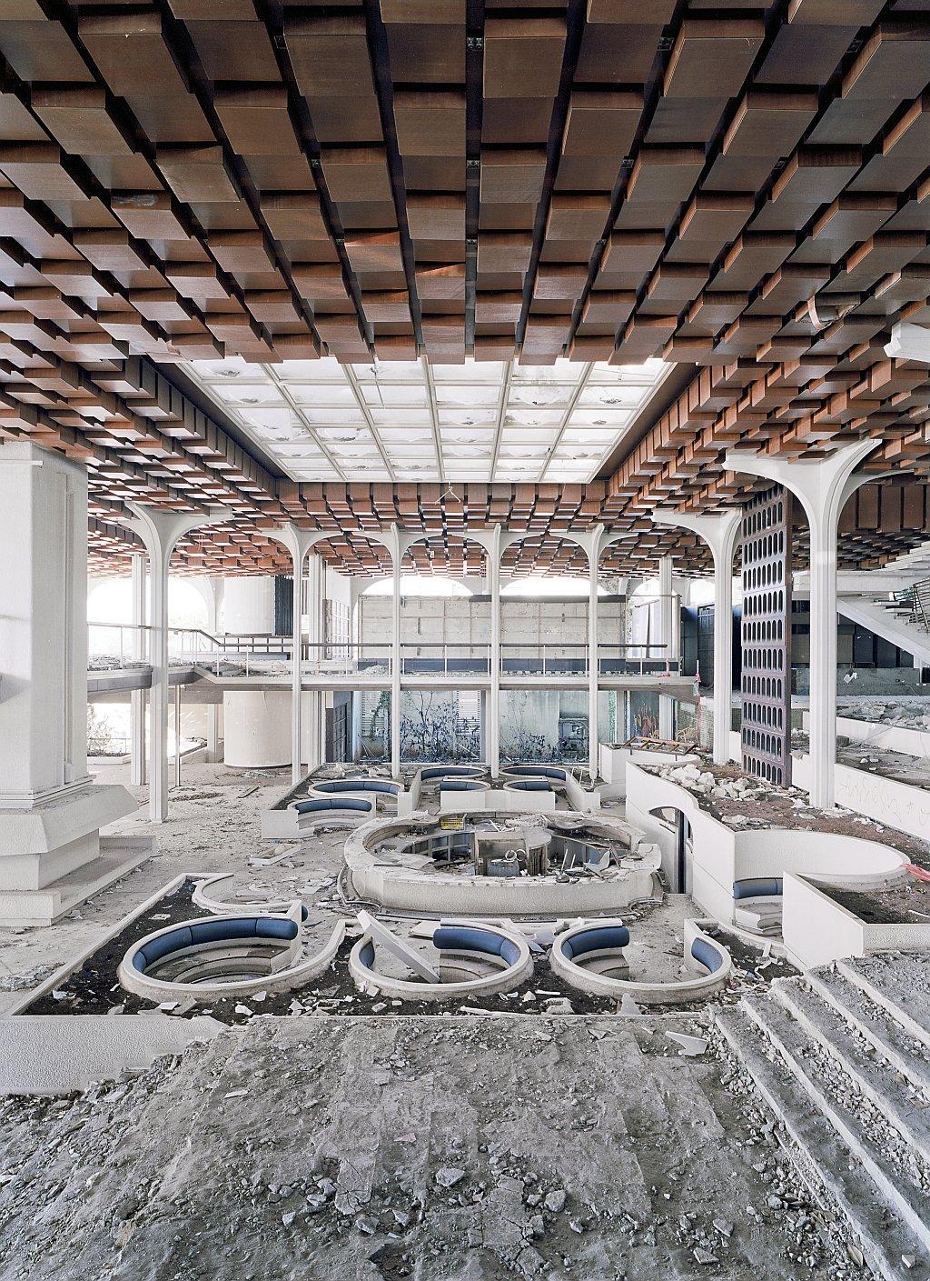 Ausstellung urlaub nach dem fall im architekturzentrum wien for Design hotel kroatien