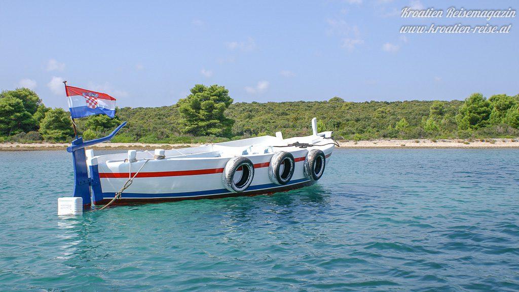 Mit dem Boot zum Robinsonhaus in Kroatien