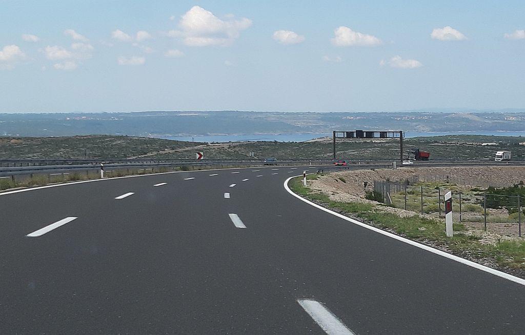 Verkehr auf der kroatischen Autobahn Richtung Meer